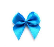 Blauwe strikjes