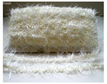 Ivoor fluffy sierband,32.4 mtr
