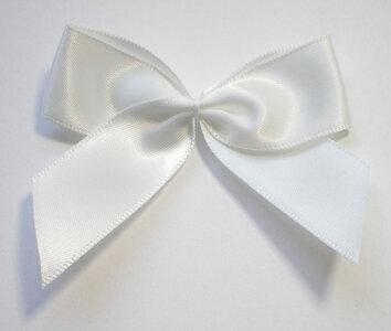 Witte strik satijn